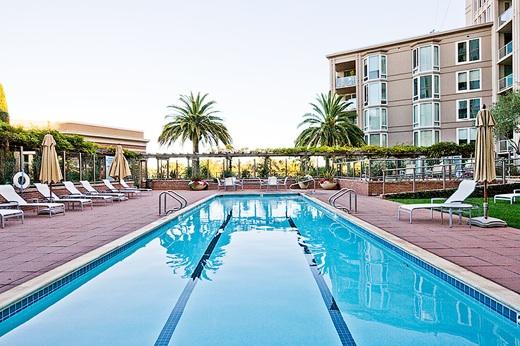 Luxury SOMA / South Beach Condo Near AT&T Park