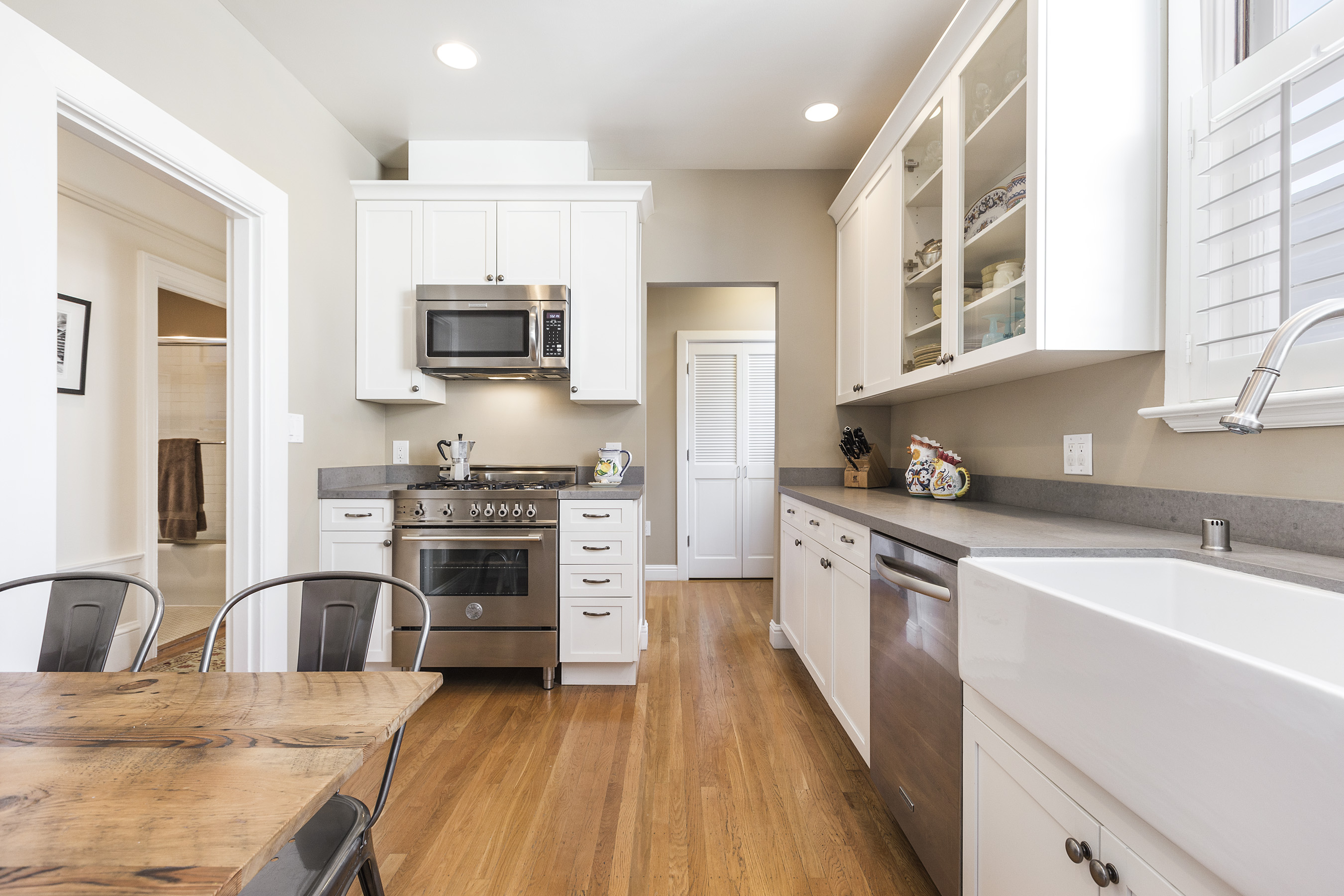 741 18th ave central richmond 2 bed 1 5 bath 2 car for Kitchen ideas real estate