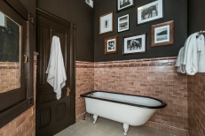 809-pierce-bathroom
