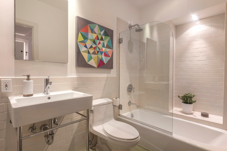 707 Cole St. | Main Level Bathroom
