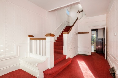 740 Clayton Grand Entry Staircase