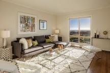 2456 Great Highway Living Room
