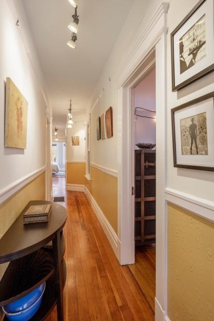 1010 Cole St Hallway