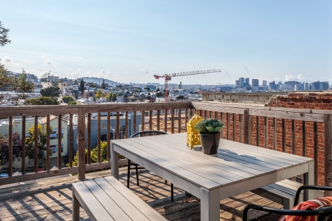 318 Connecticut Deck w/ Amazing Downtown Views